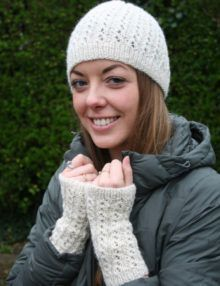 Hat & Wristwarmers knitting pattern