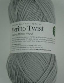Merino 4ply yarn silver grey